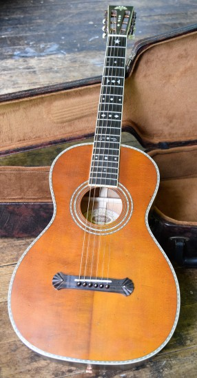 John Holland, Guitar lessons, Sydney Inner West, John Holland, Strings and Wood, Guitars for sale