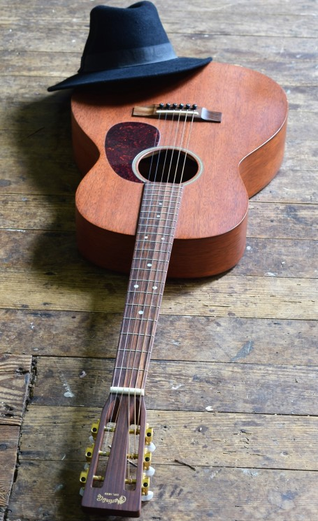 John Holland, Guiotar lessons, Sydney, Inner West, Strings and Wood, Guitars for sale