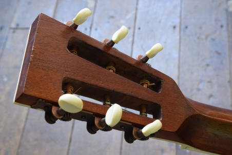 John Holland, Guitar lessons, Sydney Inner West, Strings and Wood, John Holland guitars for sale